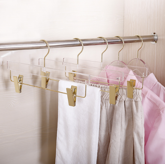 transparent hanger with clips